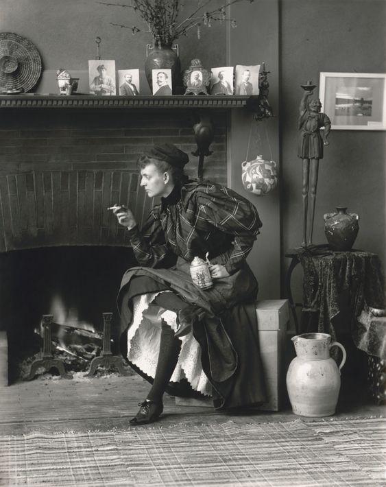 Pop Up 2  Autoportrait d'une femme libre Frances Benjamin Johnston